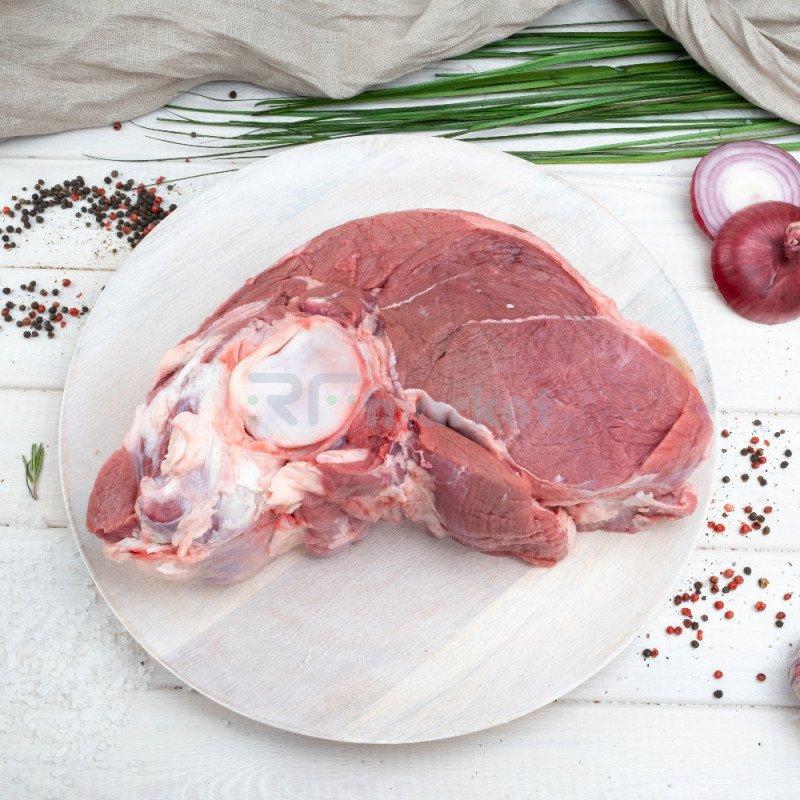 Лопатка на кости говяжья, фермерская, 1,8 - 2 кг